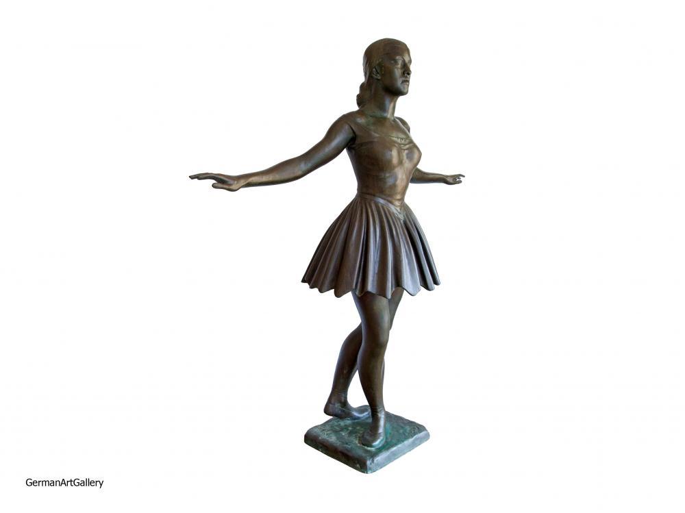 Fritz Koelle, Ballett-Tänzerin